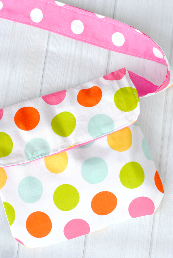Kid\'s Mini Messenger Bag Pattern - Crazy Little Projects