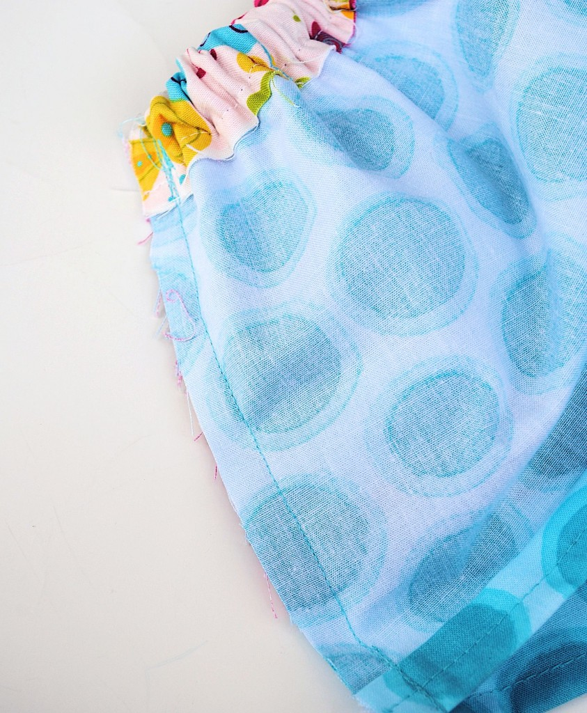 Easy free pattern for baby skirt