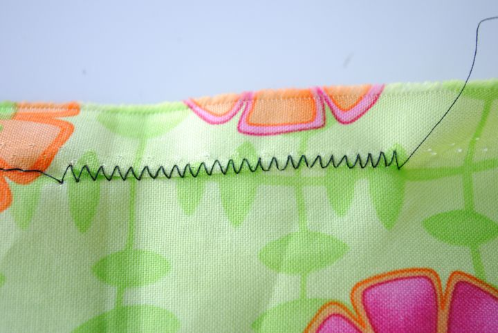 How to sew a zig zag