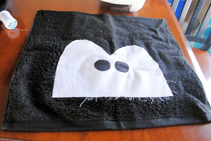 a penguin hooded towel tutorial for baby or toddlers