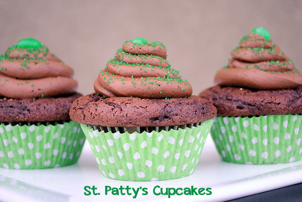 St. Patrick's Day Cupcakes by CrazyLittleProjects.com #St. Patrick's Day