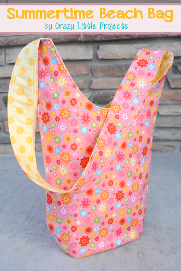 Summertime Beach Bag Tutorial by CrazyLittleProjects.com 4b4e7e956c950