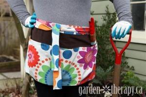 How-to-Make-a-DIY-Garden-Apron-Tutorial.