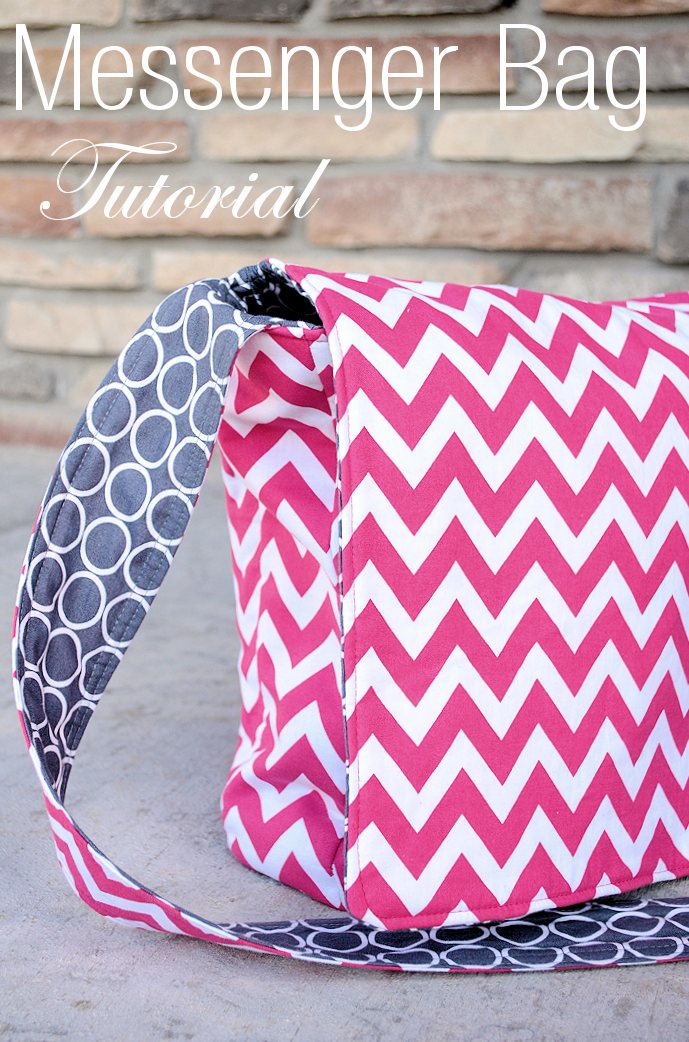 Messenger Bag Pattern-This cute messenger bag is fun to sew! Grab the free ef43c1c158678