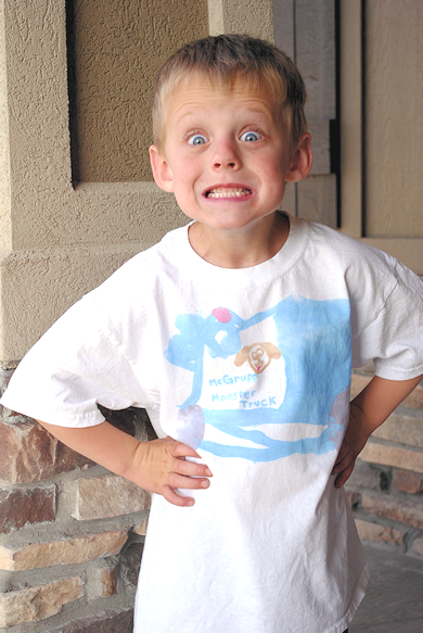 Kids Craft: DIY Painted Shirt with a Twist (amazing paint!)