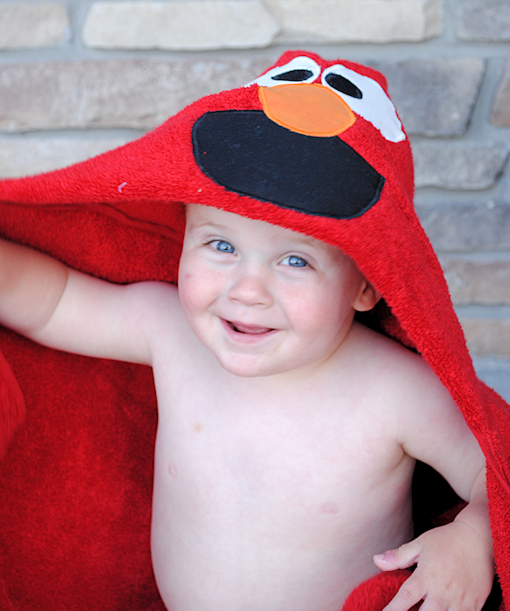 Elmo Hooded Towel Tutorial  sc 1 st  Crazy Little Projects & Elmo Hooded Towel u0026 Cookie Monster Hooded Towel