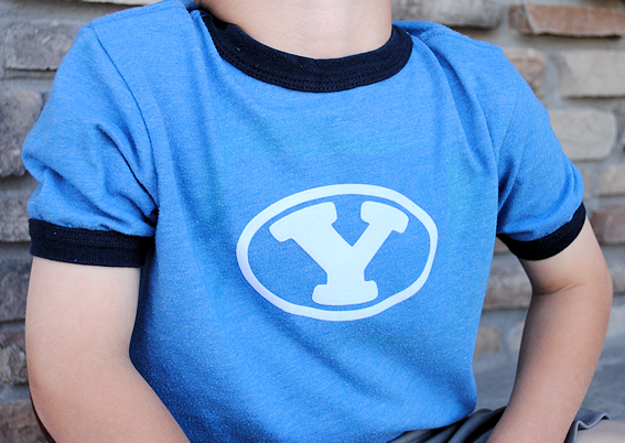 Make Your Own Heat Transfer Vinyl Shirt