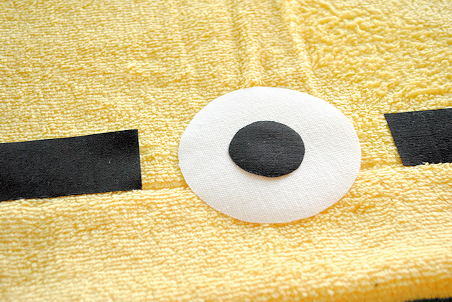 Minion Hooded Towel