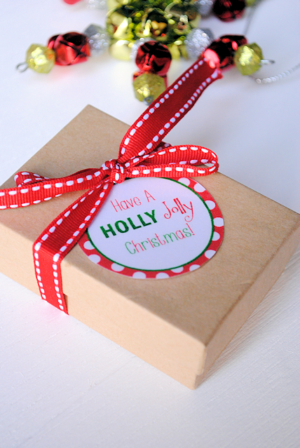 "Free Printable ""Have a Holly Jolly Christmas"" tags"