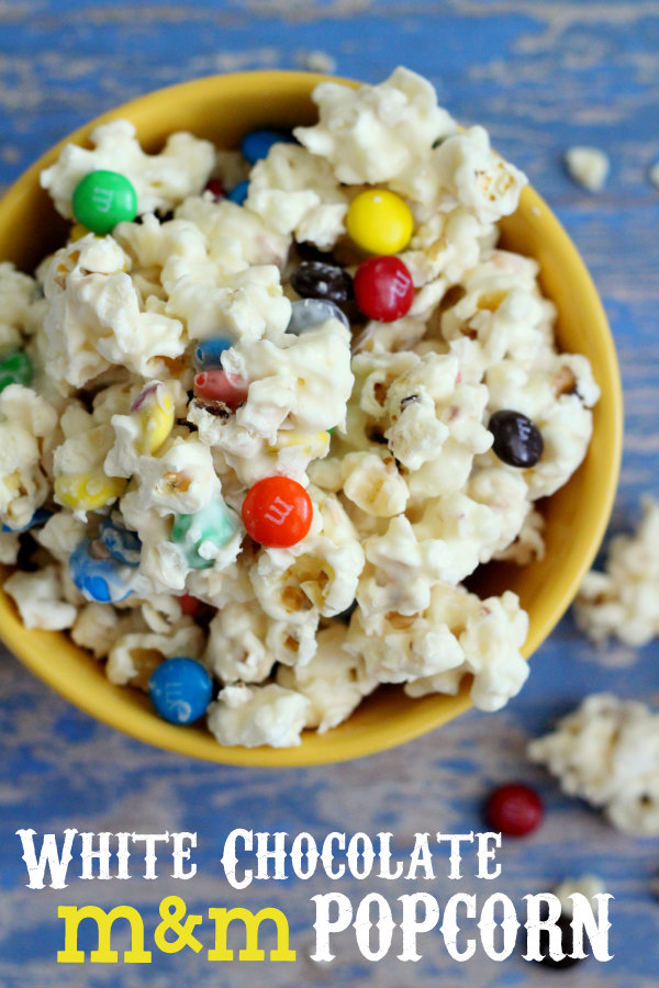 Our-favorite-movie-snack-White-Chocolate-MM-Popcorn-popcorn