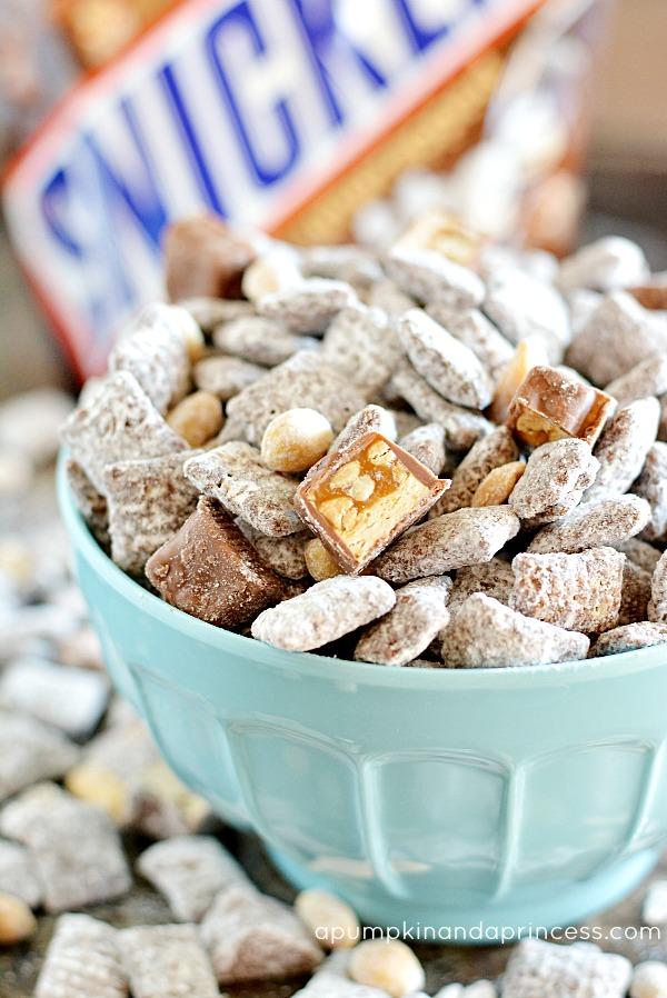 Snickers-Muddy-Buddies-Recipe