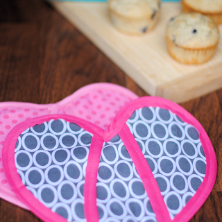 Heart Shaped Oven Mitt Pattern & Classic Oven Mitt