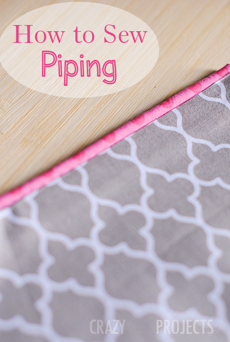 How to Make Piping-Learn to sew piping to add to all of your sewing projects with this easy to follow sewing tutorial. #sew #sewing #sewingtutorials