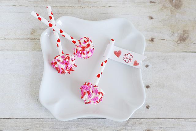 Valentine-Marshmallow-Heart-Pops