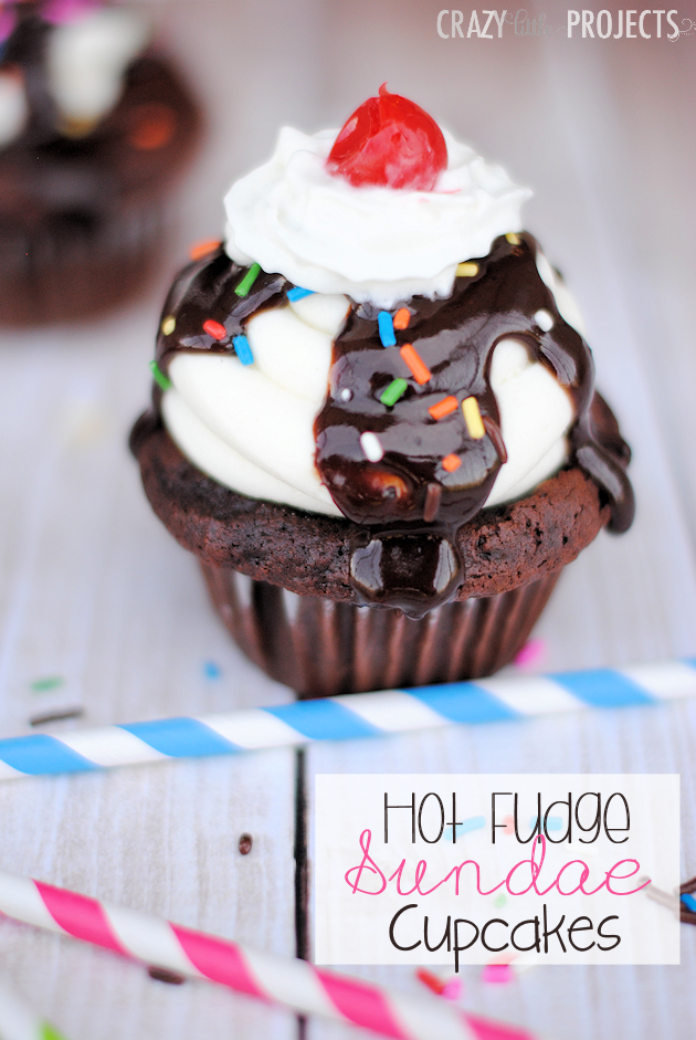 Hot Fudge Sundae Cupcakes-These cute cupcakes are perfect for a birthday or a summertime party! Easy to make and they look so cute! #hotfudge #cupcakes #dessert #cupcake #hotfudgesundae