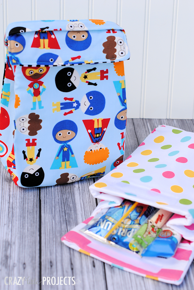 Kids Insulated Lunch Bag Pattern-This cute lunch box is perfect for the kids to take to school with their lunch in it! #sew #sewing #backtoschool