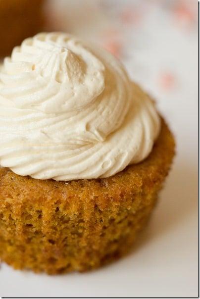 Caramelized-White-Chocolate-Truffle-Pumpkin-Cupcakes-11_thumb
