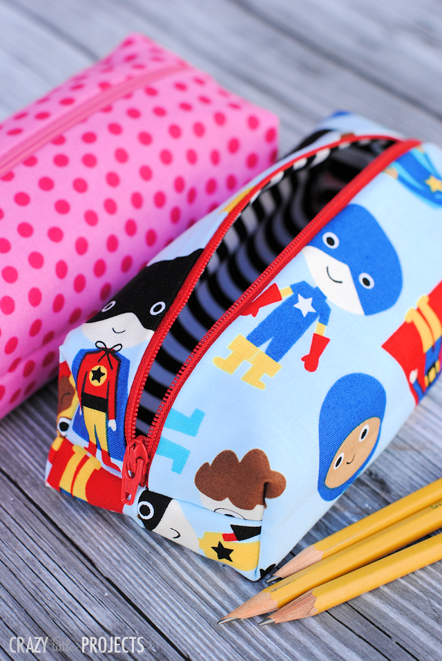 Pencil Case Pattern-Sew a cute pencil bag for your kids to take to school with this easy to follow pattern! So easy, so cute and so fun! #sew #sewing #pattern