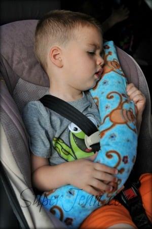 Sleeping-on-Seatbelt-Pillow