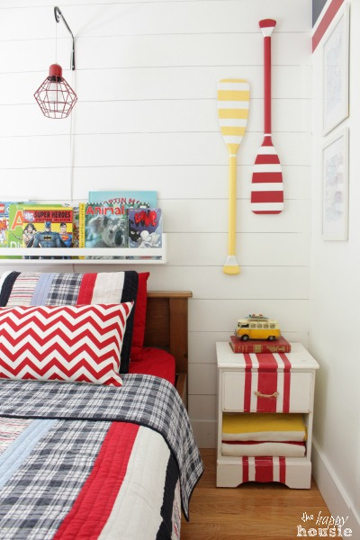 Summer-House-Tour-at-The-Happy-Housie-Boys-Bedroom-2