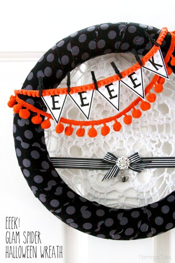 Eeeek-Glam-Spider-Halloween-Wreath1-600x900