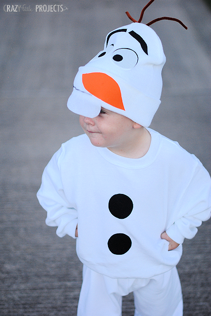 DIY Olaf Costume! It's easy to make with no sewing involved