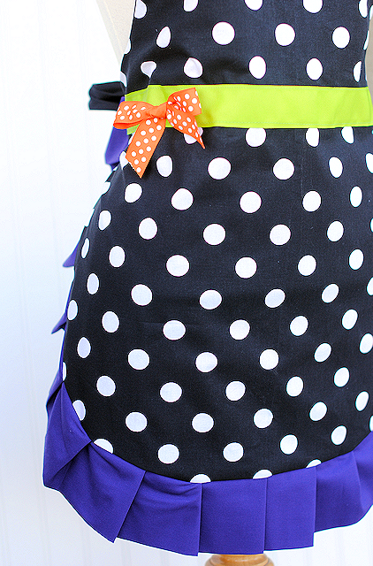 Make a cute Halloween apron