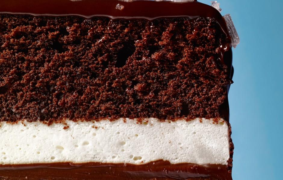 salted-caramel-ding-dong-cake-940x600