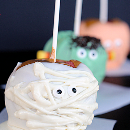 Cute Halloween Caramel Apples: Pumpkin, Mummy & Monster