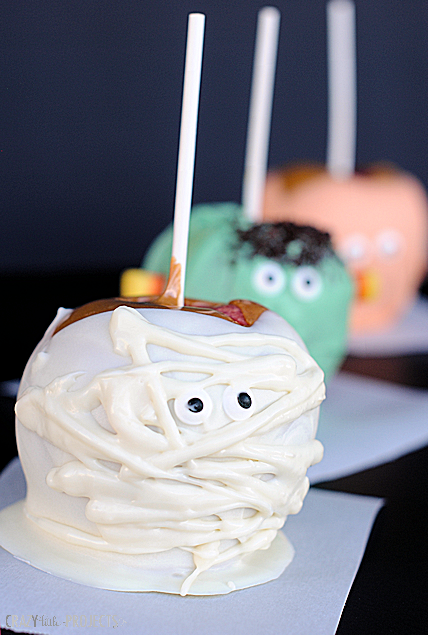 Cute Halloween Caramel Apples: Mummy, Monster and Pumpkin