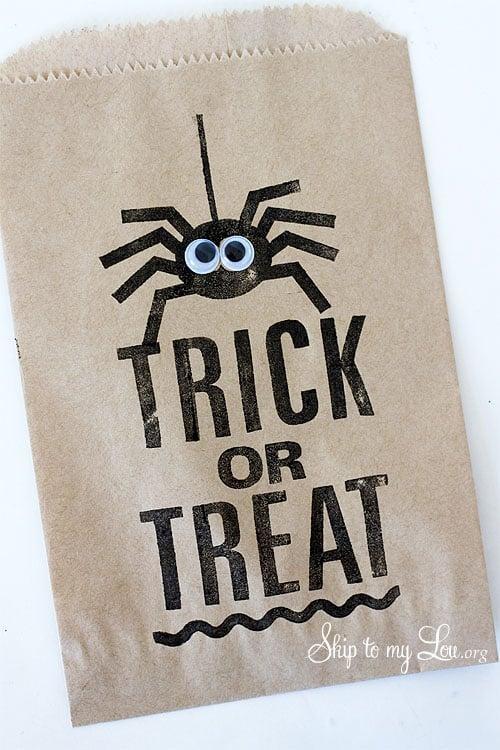 Trick-or-Treat-Spider-favor-bag