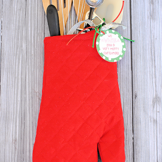 Creative Christmas Gifts: Oven Mitt Stocking