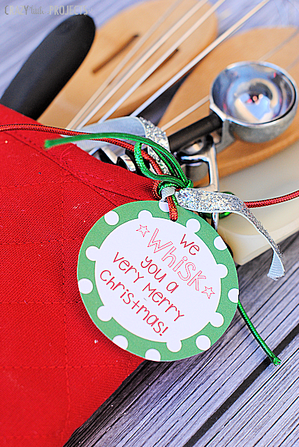 Cute gift idea! Fill an oven mitt with baking utensils-just like a stocking!