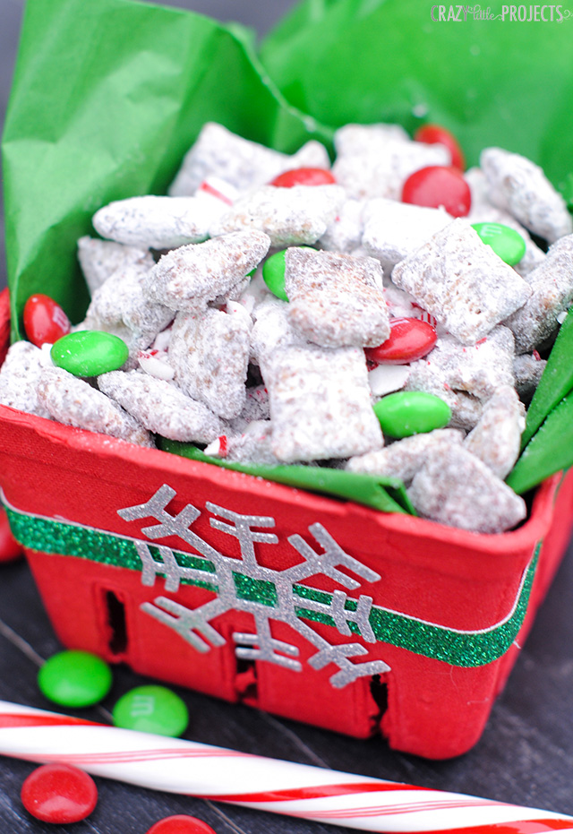 Christmas Muddy Buddies: Chocolate Candy Cane Crunch