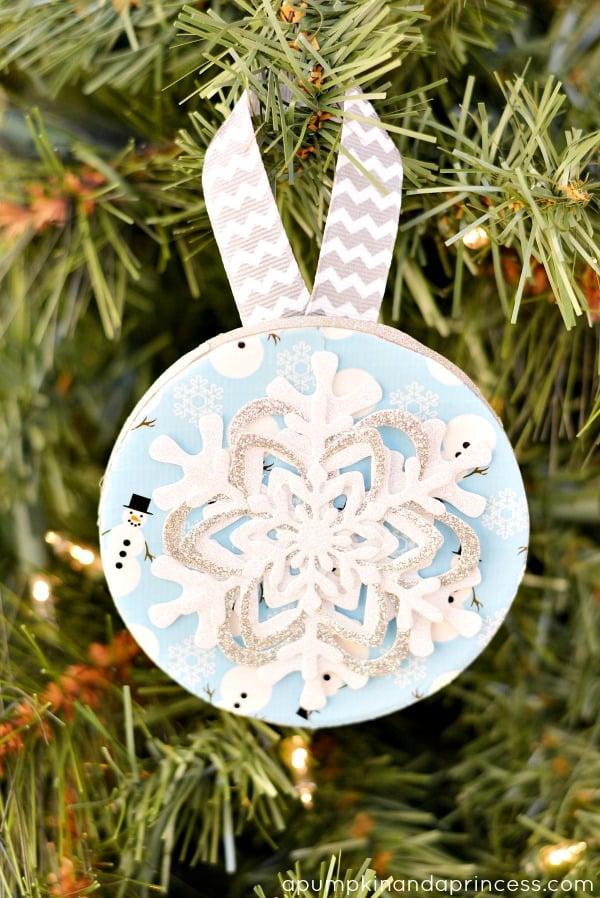 Duck-Tape-Snowflake-Ornament-Craft