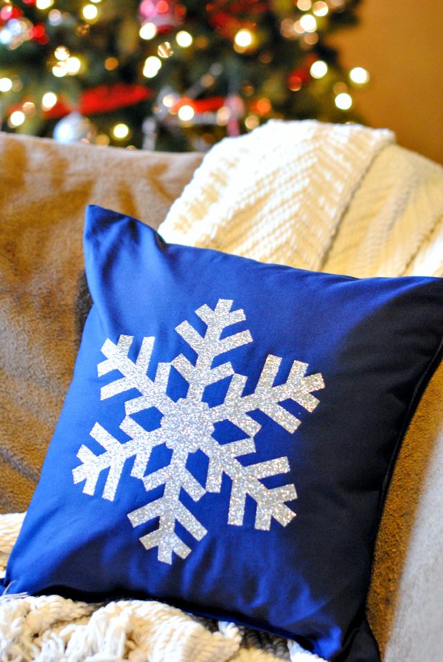 SnowFlake Pillow