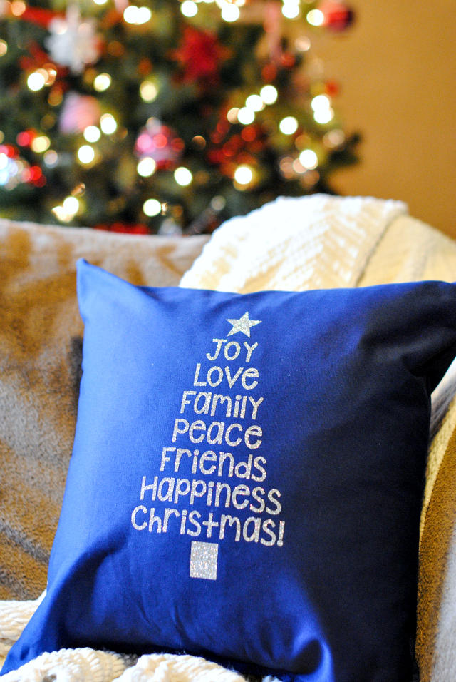 DIY Christmas Pillow for your Home