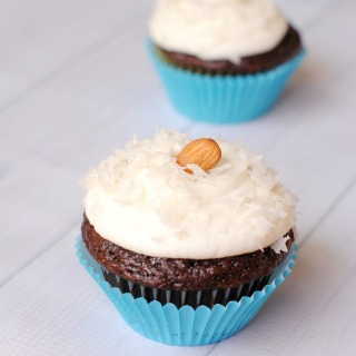 Chocolate Coconut Cupcakes (Almond Joy Cupcakes)