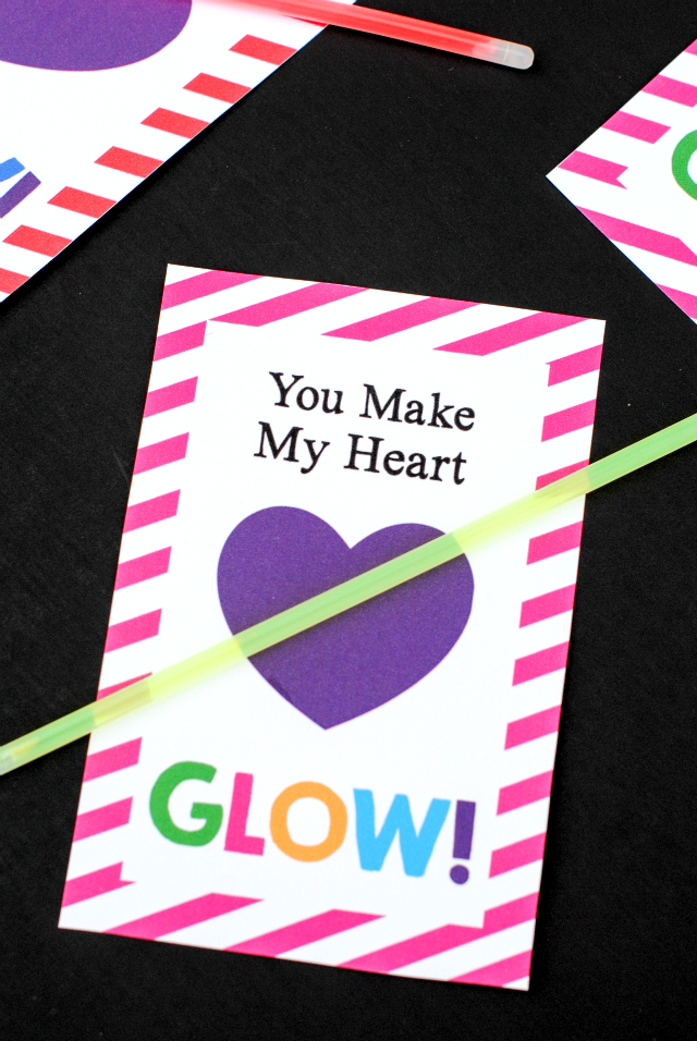 You Make My Heart Glow-Valentine's Idea and Printable Just print this cute tag and add a glow stick for a fun and easy Valentine for kids. #valentinesday #printablevalentines