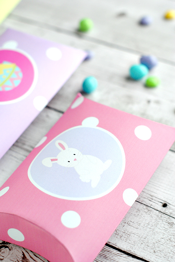 Love these little Easter Candy Boxes!