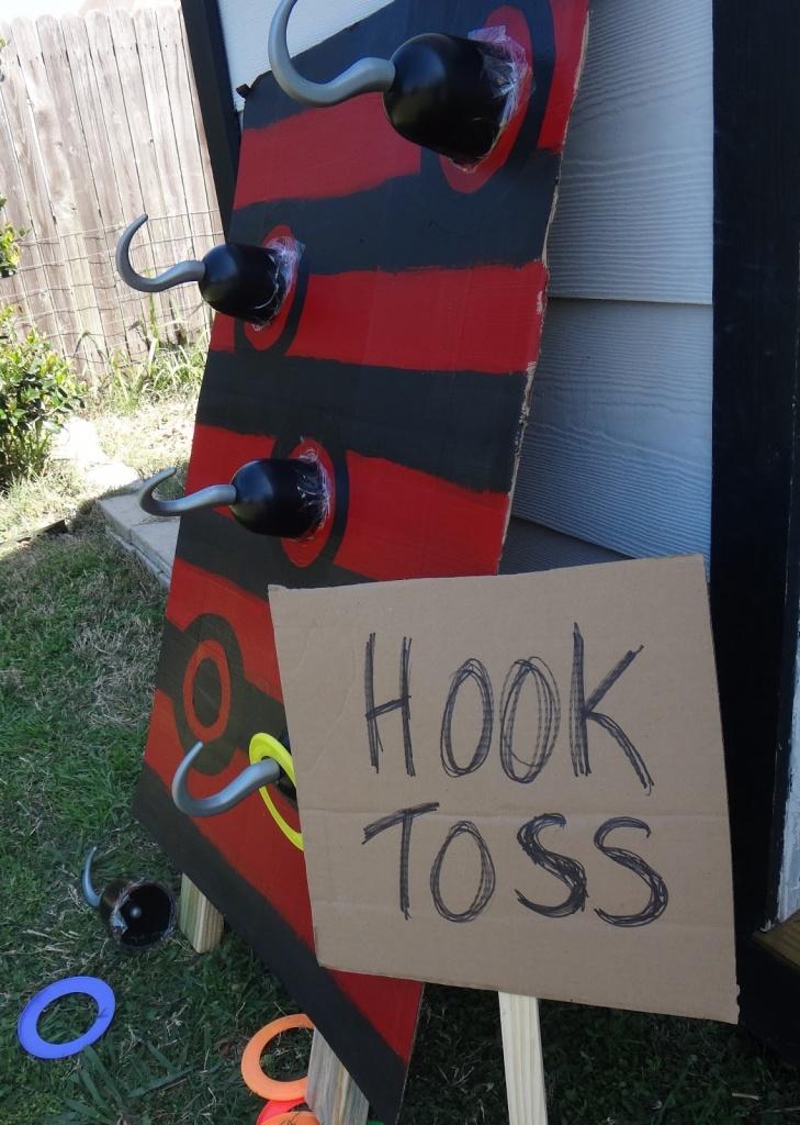 Hooktoss