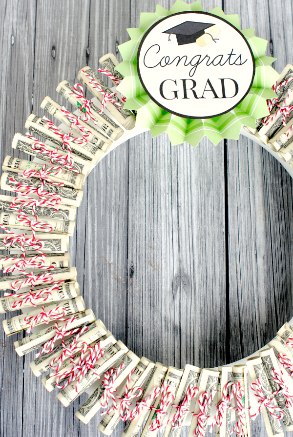 Money Wreath Gift Idea! Great for any occasion-graduation, birthday, wedding, etc.