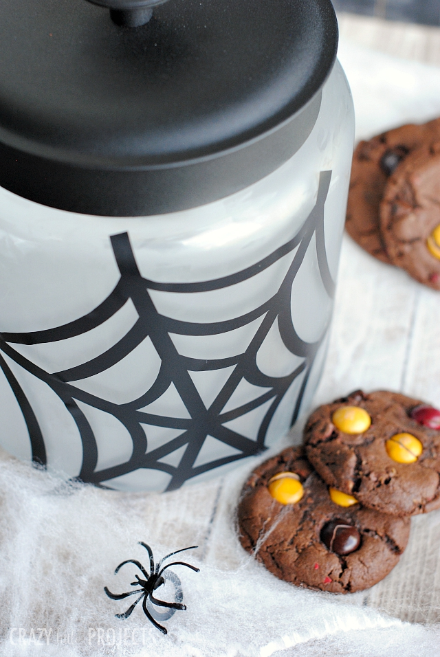 DIY Halloween Spider Web Cookie Jar