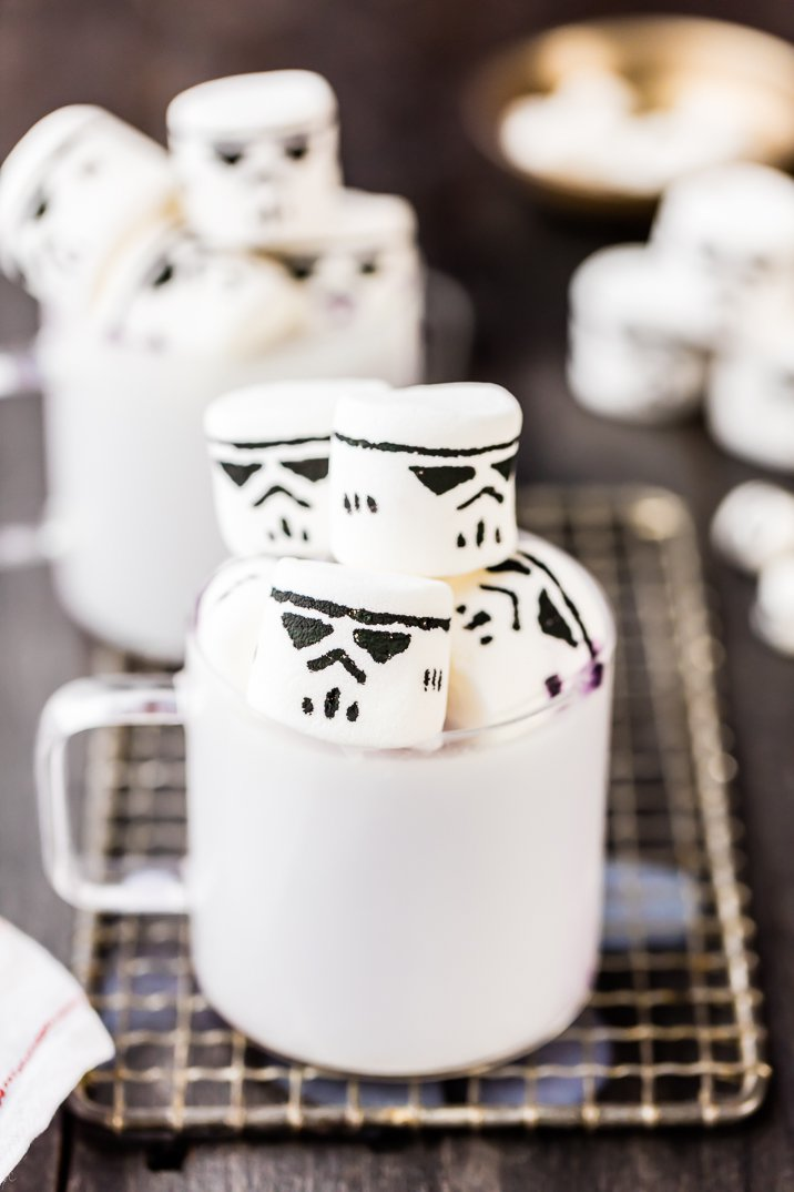 white-hot-chocolate-with-stormtrooper-marshmallows-8-of-9
