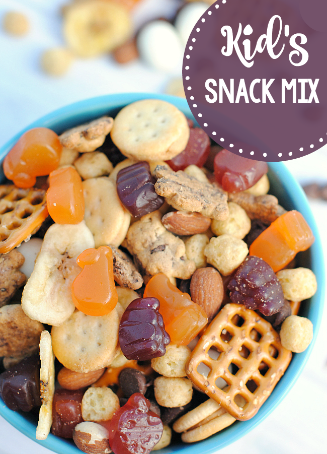 Snack Mix Recipes for Kids-This easy snack mix is perfect for kids (ahem and moms) to much on the go or at home. Perfect blend of flavors and so easy to put together. #snackmix #snacks #kids #kidrecipes