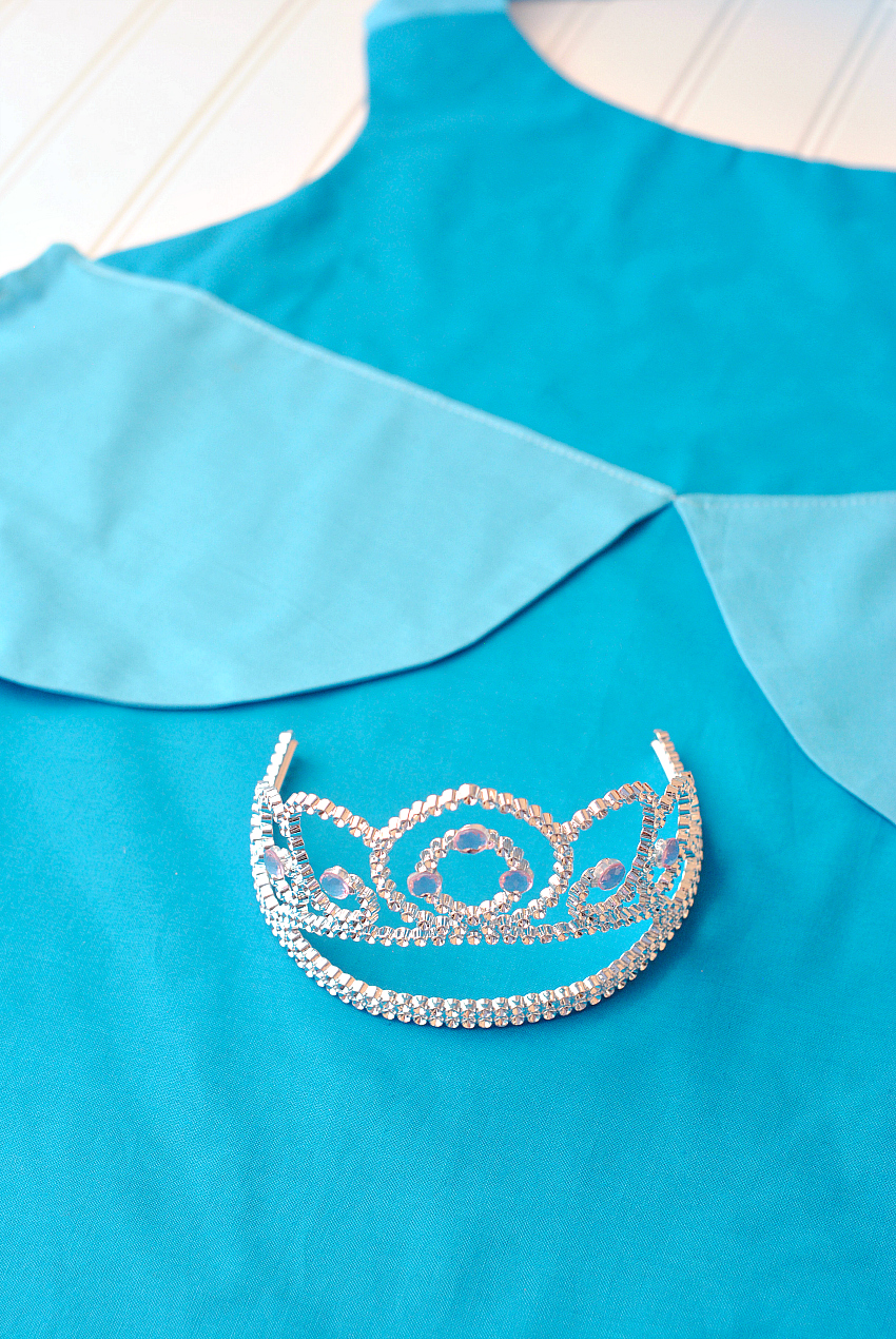 Cinderella Apron Pattern and Tutorial