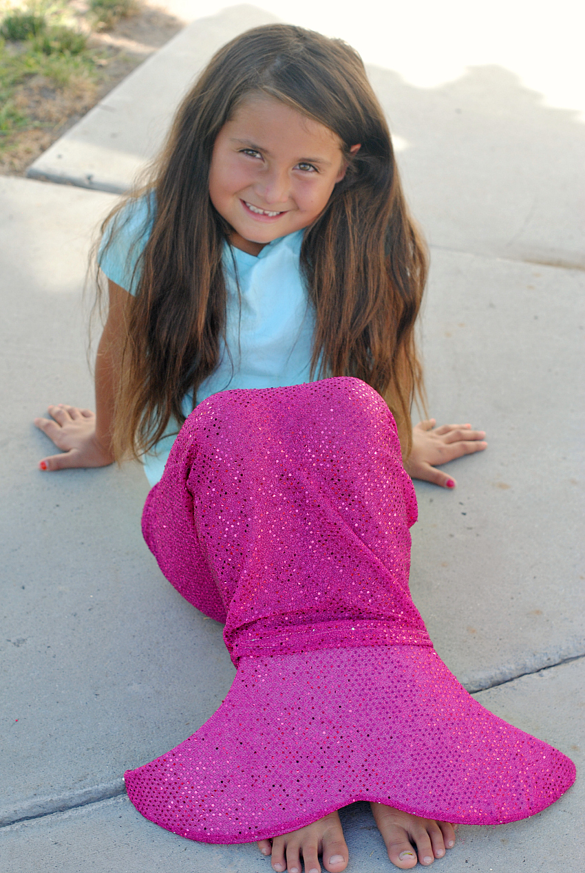 Mermaid Tail Pattern-This easy to sew mermaid tail pattern is fun to sew for little girls! Free pattern will take you less than an hour to sew. #sewing #sew #pattern