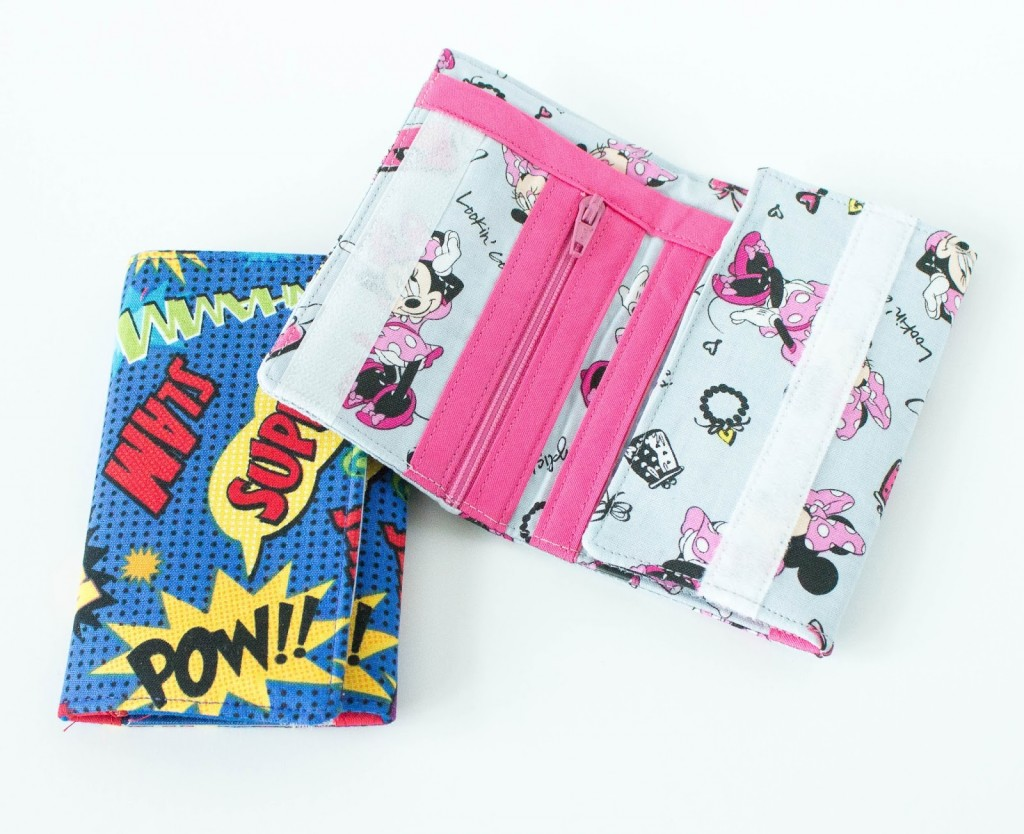 Kid's Wallet Pattern-This easy to sew kid's wallet pattern makes a cute gift for kids and a fun sewing tutorial for you! #sewing #pattern #kids