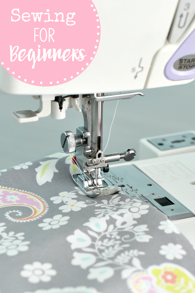 Sewing for Beginners-Everything you need to know to learn to sew! Tons of tutorials to get you started with sewing. #learntosew #sewing #sew