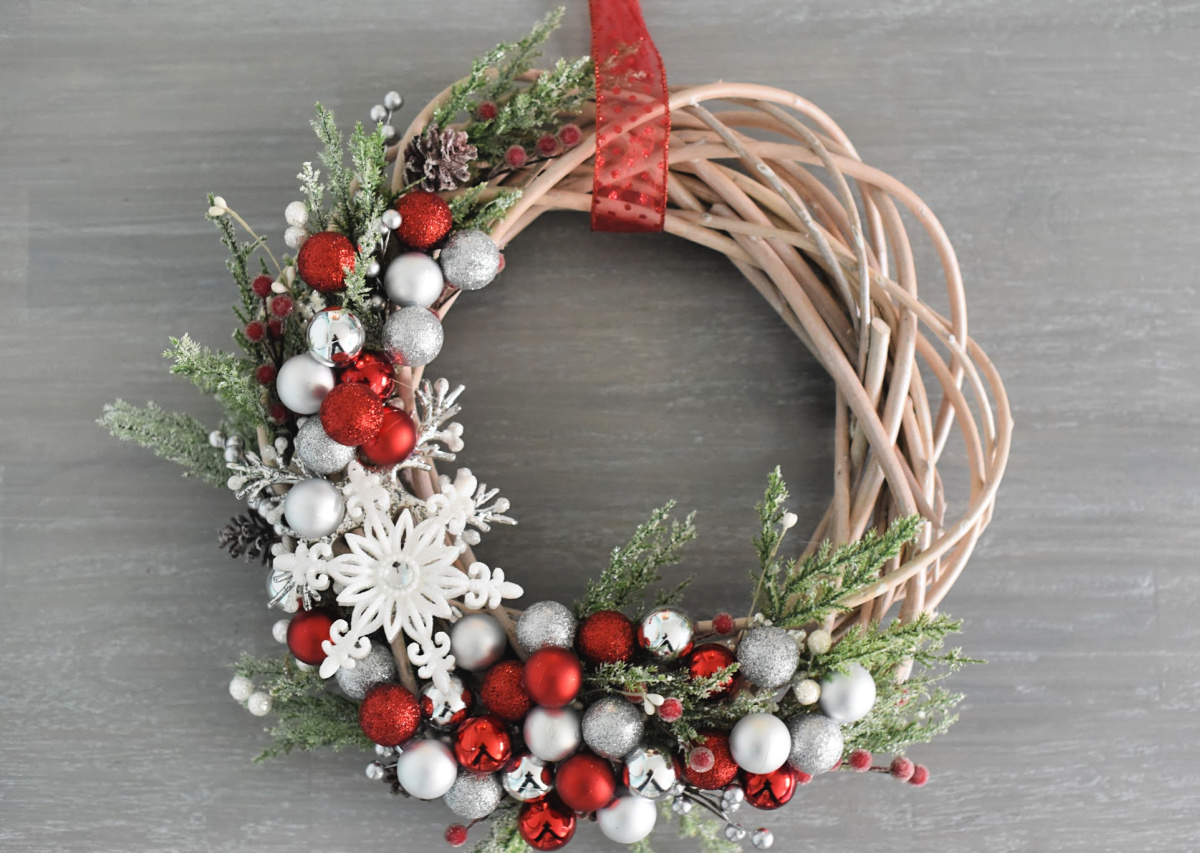How To Make A Christmas Wreath Crazy Little Projects